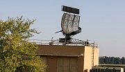 Nové radary v Pardubicích jsou z Pardubic. Vojenská letiště v Česk obnoví do roku 2018 po 40 letech svoje elektronické oči. Letadla zvládnou přesně navést na přistání třeba i poslepu.