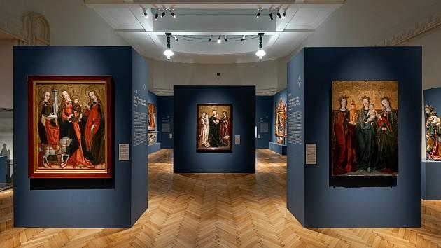 Z výstavy s názvem Uprostřed Koruny české - gotické a raně renesanční umění východních Čech 1250 - 1550.