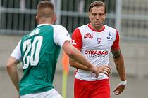 Splněný sen. Tomáš Čelůstka s Pardubicemi postoupil do první ligy. Premiéru absolvoval v utkání v Jablonci.