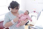 AISHA HLADKÁ se narodila 21. února ve 14 hodin a 7 minut. Měřila 50 centimetrů a vážila 3550 gramů. Maminku Andreu podpořil u porodu tatínek Nisar. Doma ve Svitavách na nového sourozence čeká pětiletá Tereza.