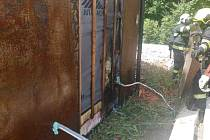 Muž se rozhodl vosy je zlikvidovat za pomoci propan-butanového hořáku, takto to dopadlo