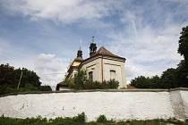Opravovaný kostel v Uhersku