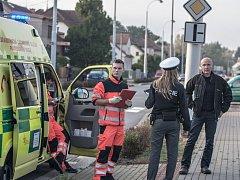 Jan Vanáč (zcela vpravo), na místě dopravní nehody, kterou způsobil pod vlivem alkoholu.