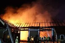 Požár stodoly v Dolní Rovni