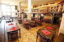 Kvůli šíření koronaviru a nařízení vlády jsou zavřené hospody a restaurace…