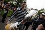 V Bohdanči zahájili lázeňskou sezónu a nechyběli ani hokejisté s mistrovským pohárem