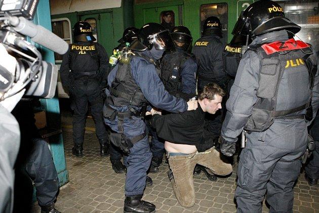 S policisty se mu příliš spolupracovat nechtělo, na výběr ale neměl