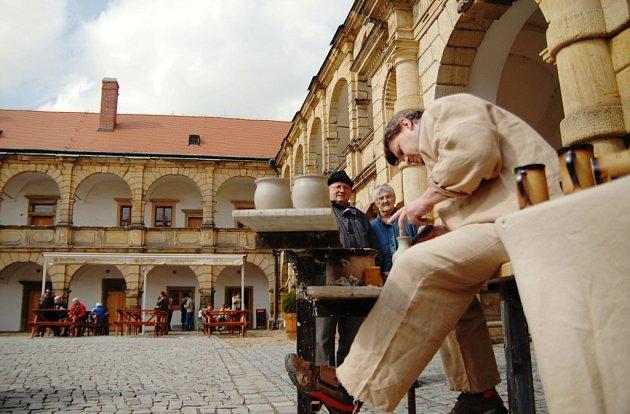 V Moravské Třebové v sobotu otevírali zámek a u toho nechyběla řada kulturních atrakcí