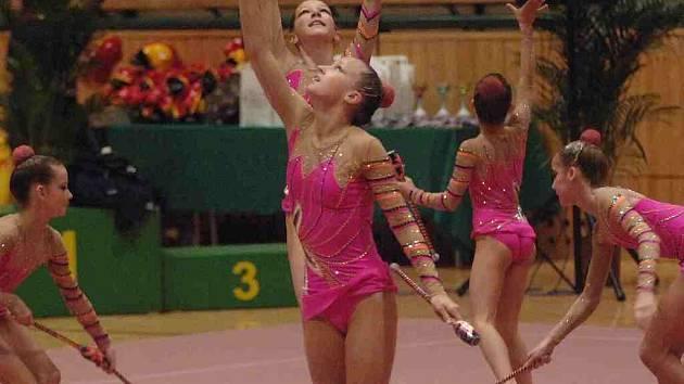 Gymnastika je oblíbeným sportem.