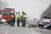 Smrtelná nehoda se v neděli ráno stala u Dražkovic na Pardubicku