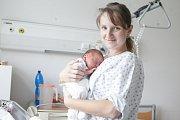 ALEXANDR JÁCHYM se narodil 5. května ve 12 hodin a 15 minut. Měřil 46 centimetrů a vážil 3130 gramů. Maminku Markétu podpořil u porodu tatínek Tomáš. Rodina bydlí v Pardubicích.