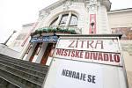 Nařízením vlády kvůli koronaviru jsou zavřené školy a zrušené hromadné akce nad 100 osob.