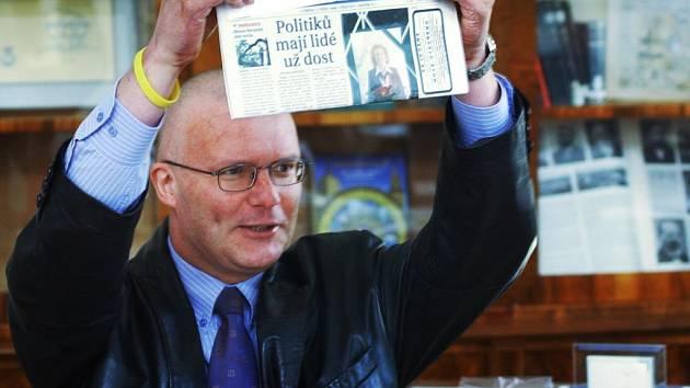 V říjnu 2006 oznámil Michal Rabas návrat do úřadu. Bohužel se nemoc vrátila