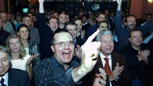Radost z vítězství - Michal Rabas po krajských volbách v roce 2004