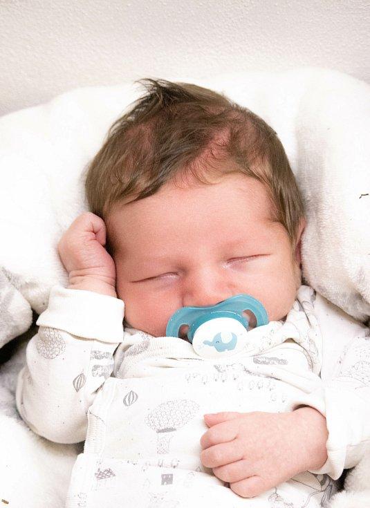 Matouš Záluský se narodil 26. 3. 2021 v 7:43 Soně a Lukášovi z Letohradu - Kunčic. Vážil 4,05 kg a měřil 51 cm. Doma se na Matouše těšila sestřička Ráchel a bráška Lukáš. Foto: rodina