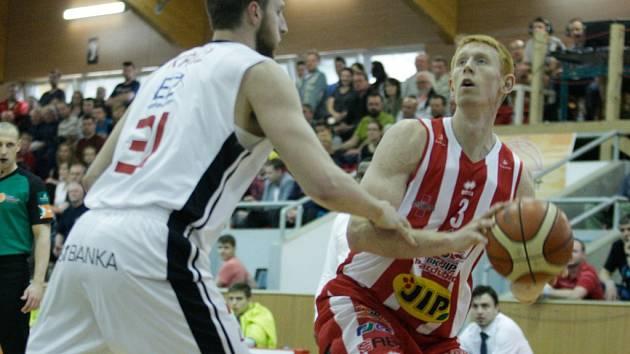 BK JIP Pardubice - ČEZ Basketball Nymburk 85:91
