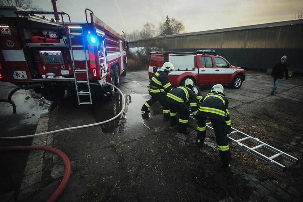 Požár stájí Apolenka ve Spojile u Pardubic.