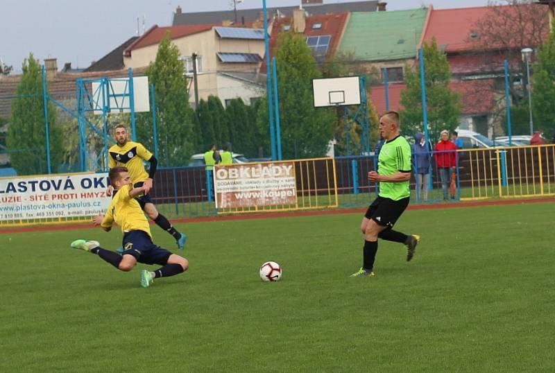 FK Junior Skuteč šéfuje I. B třídě.