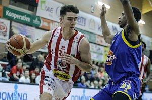 Ligový basketbal Pardubice - Ústí (84:81)