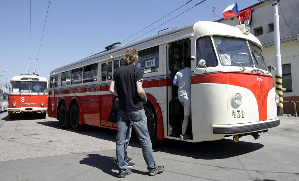 Trolejbusy v Pardubicích slavily šedesátileté výročí