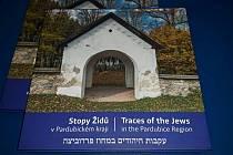 Kniha Stopy Židů v Pardubickém kraji.