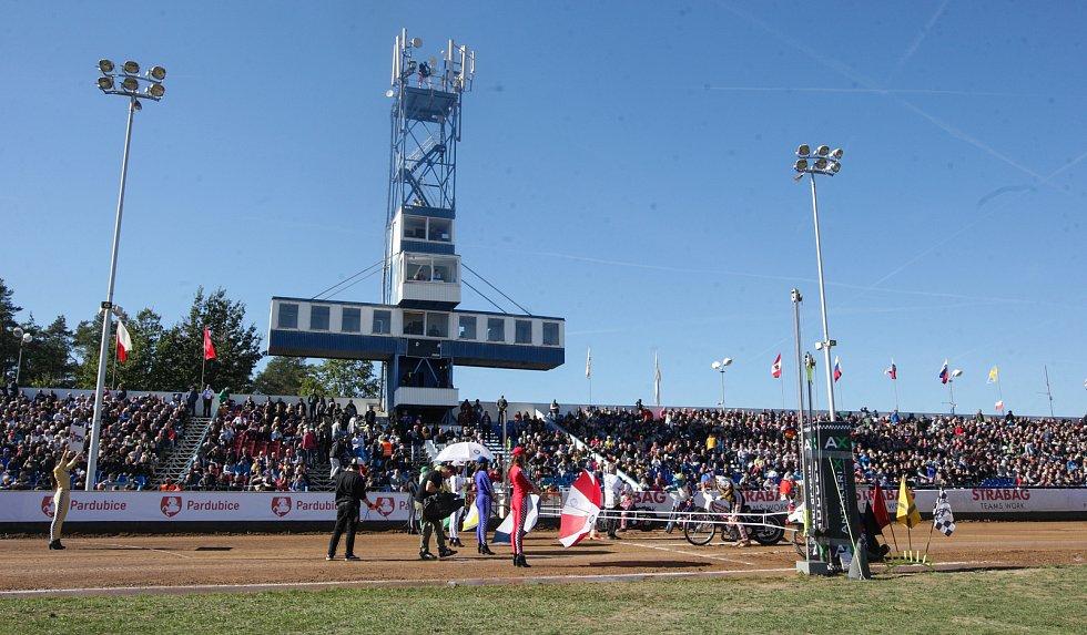 Zahájení 70. ročníku Zlaté přilby města Pardubice na svítkovském plochodrážním stadionu.