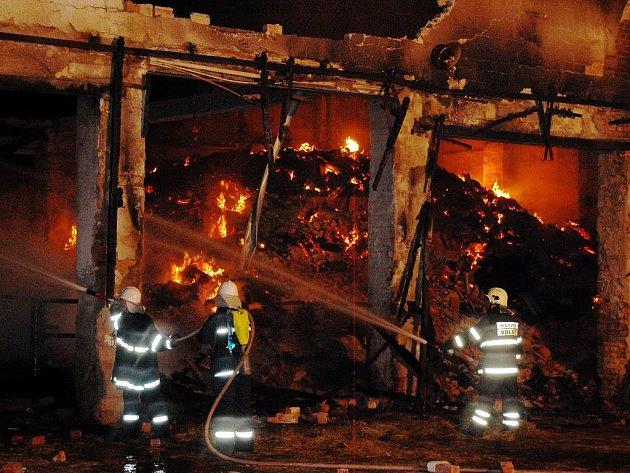 Požár zemědělské usedlosti způsobil škodu přes dva miliony korun