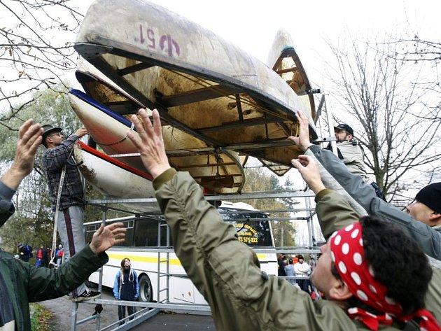 Vodáci zamykali Opatovický kanál