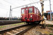 Rosické železniční muzeum připravilo pro veřejnost výlet historickým motoráčkem z pardubického Hlavního nádraží do Borohrádku a zpět.