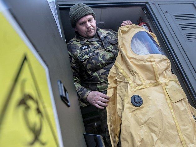 Mobilní vojenská laboratoř slouží zejména k detekci biologických hrozeb.