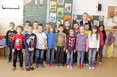 Žáci 1.C ze ZŠ Prodloužená v Pardubicích s paní učitelkou Janou Uncajtíkovou.