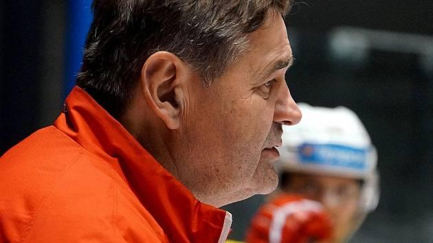 Břetislav Kopřiva, trenér HC Dynamo Pardubice.