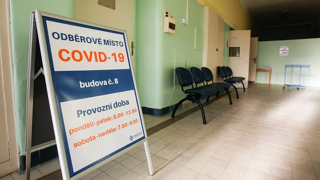 Odběrové místo na testování Covid - 19 v pardubické Krajské nemocnici.