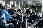 Martin Komár na letišti v Istanbulu. Čekáme.