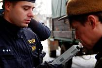 Policisté zkontrolovali myslivce v Litětinách