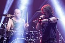 Skotská hardrocková kapela Nazareth, která se na světových pódiích pohybuje už úctyhodných padesát let, v pardubickém Ideonu.