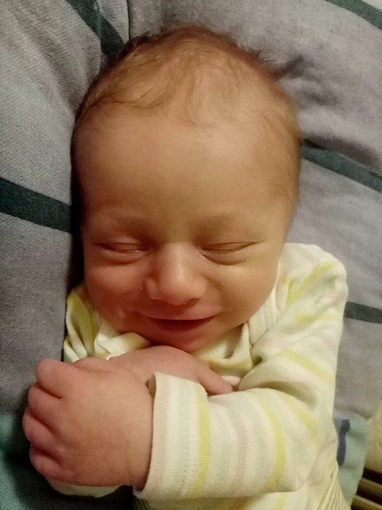 Borísek Matucha se narodil v Chrudimi 8. 4. 2021 v 16:26  hodin. Vážil 3420 g a měřil 49 cm. Velikou radost udělal mamince Nikole Vondráčkové a tatínkovi Ondřeji Matuchovi.