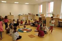 Děti ze základní školy Montessori v Pardubicích musely zahájit nový školní rok v provizorních podmínkách