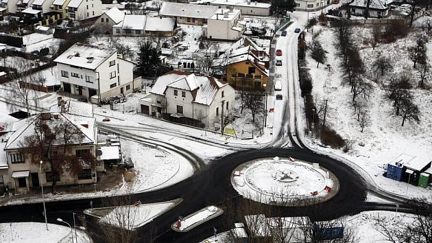 Kruhový objezd v Cihelně