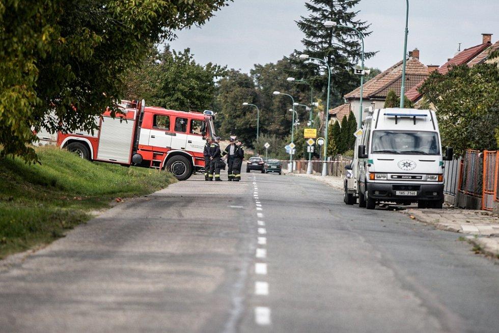 Oblast kolem domu, kde policisté výbušniny a chemikálie našli, musela být uzavřena.