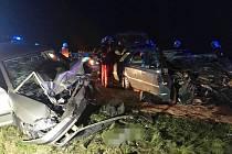 Střet osobních aut nepřežila jedna osoba