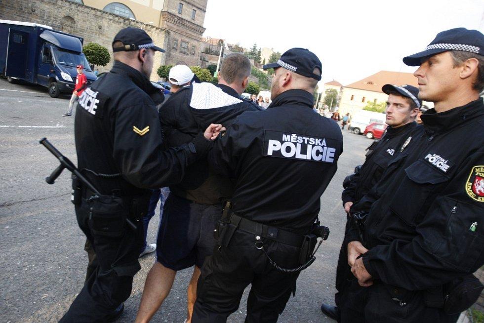Derby Hradec - Pardubice bylo opět pod silným policejním dohledem.
