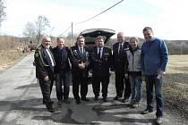 Zástupci okresního sdružení hasičů Pardubice navštívili družební územní organizaci DPO Košice okolí, aby se zúčastnili otevření nové hasičské zbrojnice DHZ Kokšov Bakša. Při té příležitosti navštívili bývalého prezidenta DPO SR Vendelína Fogoraše, který j