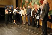 Předávání ocenění dárcům krve v pardubickém divadle