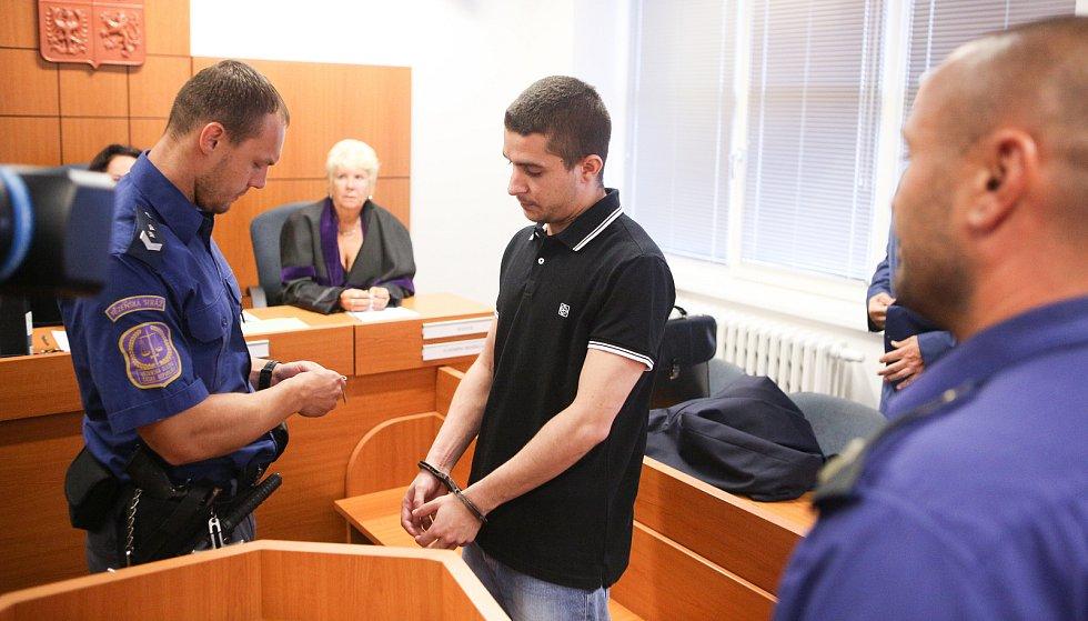 Pavel Chlubna u krajského soudu v Pardubicích dostal za pobodání seniora 15 let.