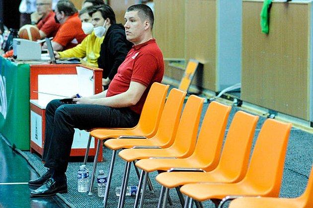 CHTĚL BÝT SÁM… Po brzkém vyřazení ve čtvrtfinále neskrýval Adam Konvalinka rozpaky.