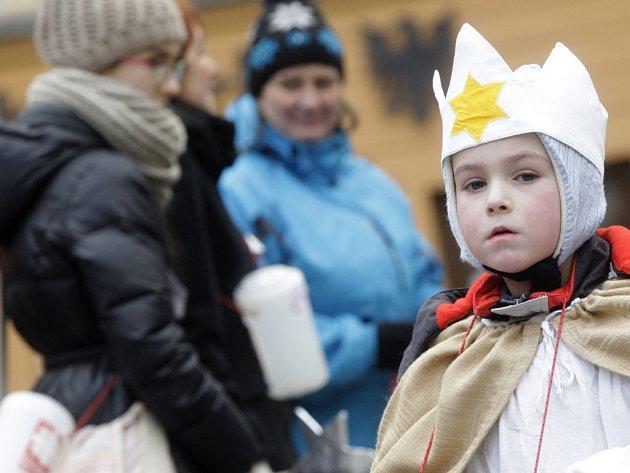 Slavnostní zahájení Tříkrálové sbírky na Pernštýnském náměstí v Pardubicích.