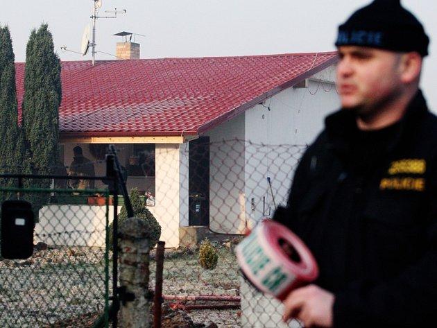 V zahrádkářšké kolonii blízko městského hřbitova byla v domě nalezena mrtvá žena