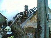 Zásah u požáru ve Svojšicích.