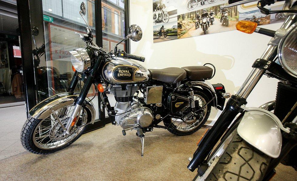 Výstava ke 120. výročí značek legendárních motocyklů Indian Motorcycle a Royal Enfield.